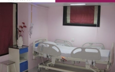 fully-automatic-remote-controlled-bed-at-allure-medspa-india